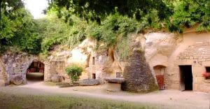 Le village troglodytique de Louresse-Rochemenier